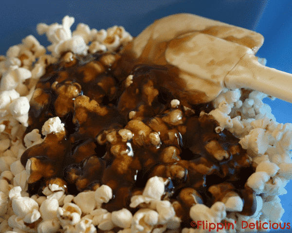 Skinny Dr. Pepper Caramel Popcorn is creamy and sweet with just a hint of Dr. Pepper. Easy to indulge in, while still keeping track of your calories.