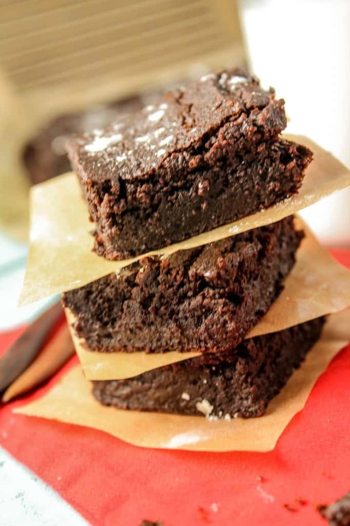 Paleo-Vegan-Brownies-2834-682x1024