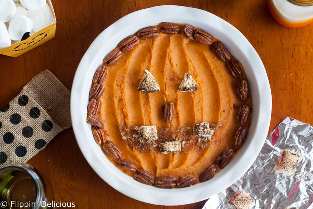 Who said you shouldn't play with your food? Everyone will love this fun Sweet Potato Jack O'Lantern! Perfect for Halloween.