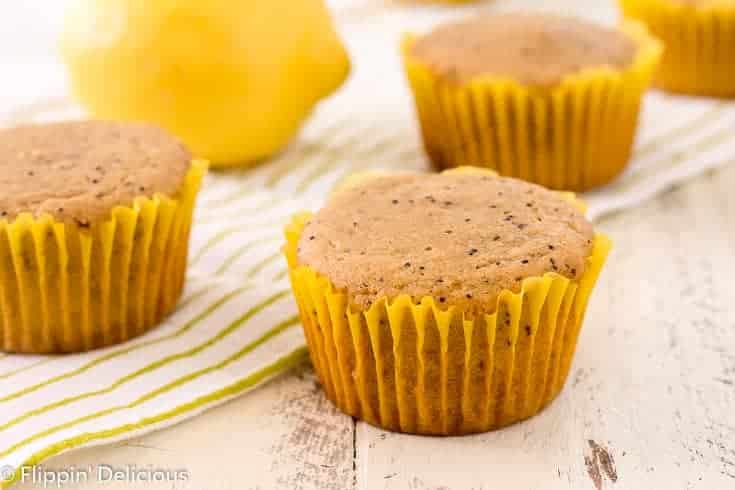 Almond Flour Lemon Poppy Seed Muffins- bright grain free lemon poppy seed muffins that are low carb, paleo, and keto friendly.